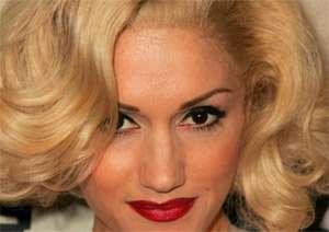 Gwen Stefani wearing a wig