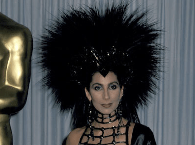 Cher weird hairstyle at Oscars